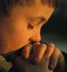 enfant en prière